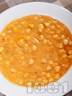 Лесна и вкусна яхния от нахут със запръжка - снимка на рецептата